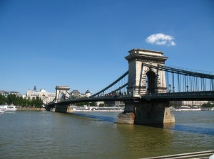Most přes Dunaj v Budapešti