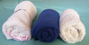 porovnání velikosti smotaných ručníků