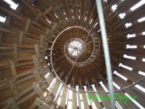Točité schodiště v Akátové věži