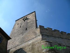 Lichoběžníková věž