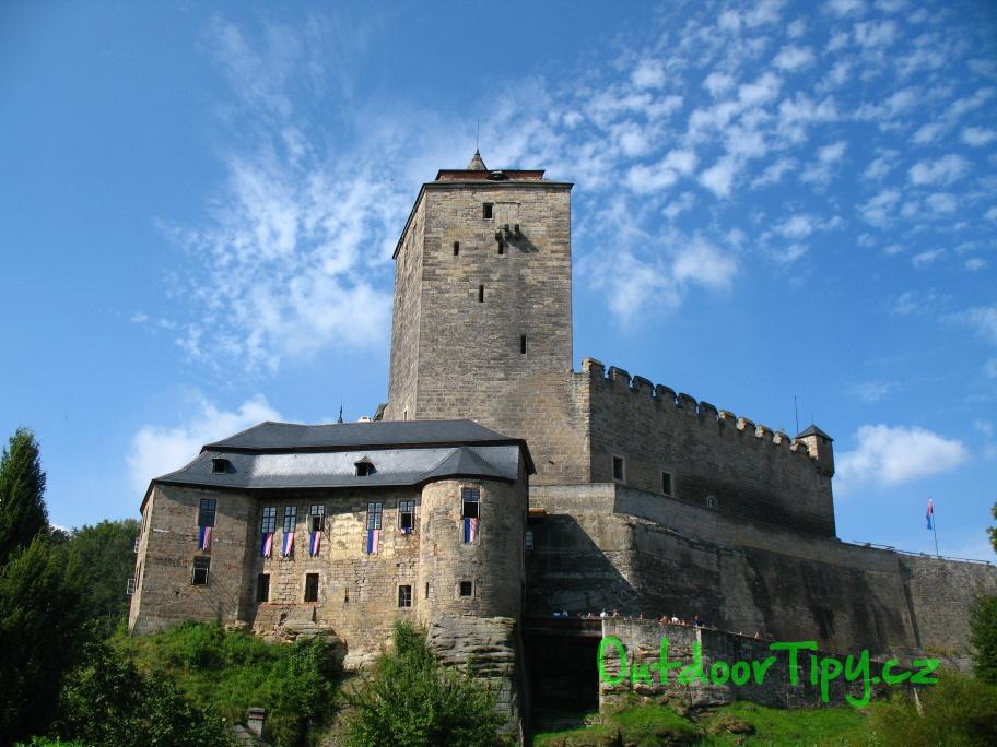 Pohled na hrad Kost v Českém Ráji