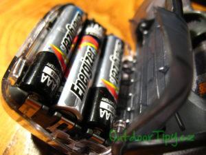 baterie v čelovce Petzl