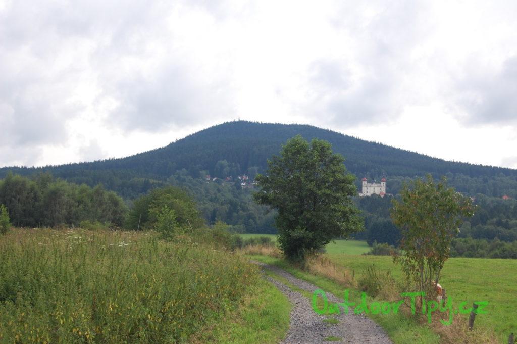 Kraví hora cestou od Horní Stropnice k Dobré Vodě
