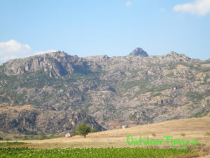Hrana planiny so Zlatovrvom v pozadí