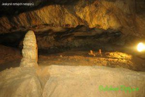 Jeskyně mrtvých netopýrů