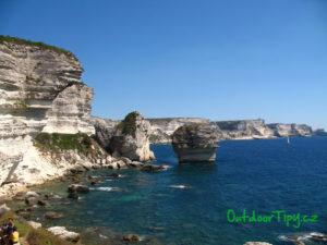 útesy u města Bonifacio