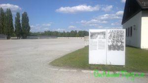 "otevřené ""nádvoří"" v Dachau"