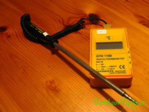 digitální termometr použitý při měření