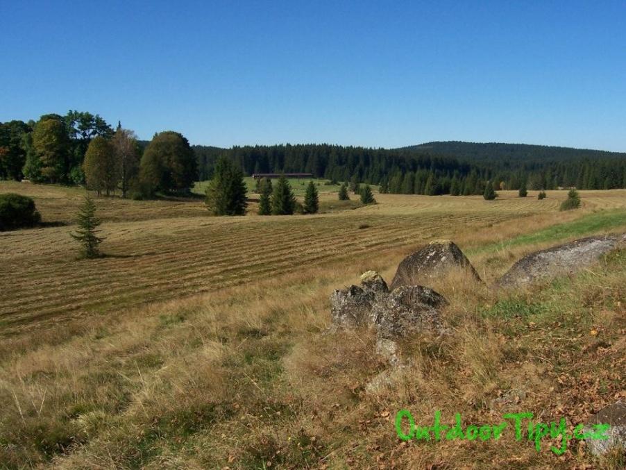 jiný pohled na okolí Pohoří na Šumavě