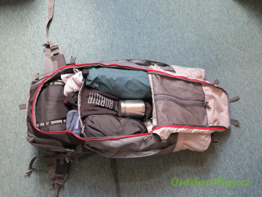 fotografie č. 2: sbalený batoh