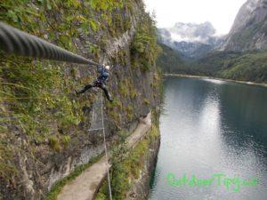 Lanový most na ferratě Laserer Aplin Flettersteig