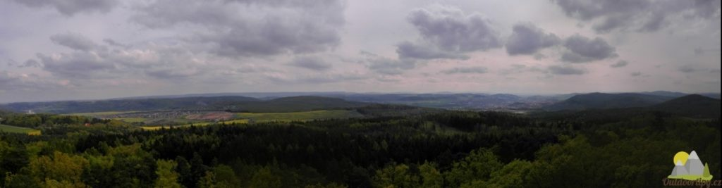pohled z rozhledny jižním směrem