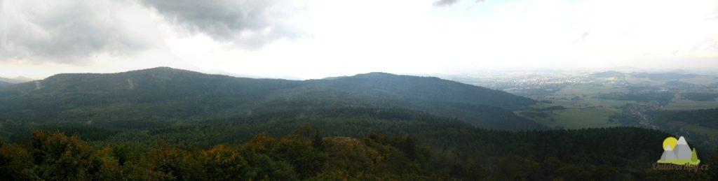 pohled z vrcholu Luž