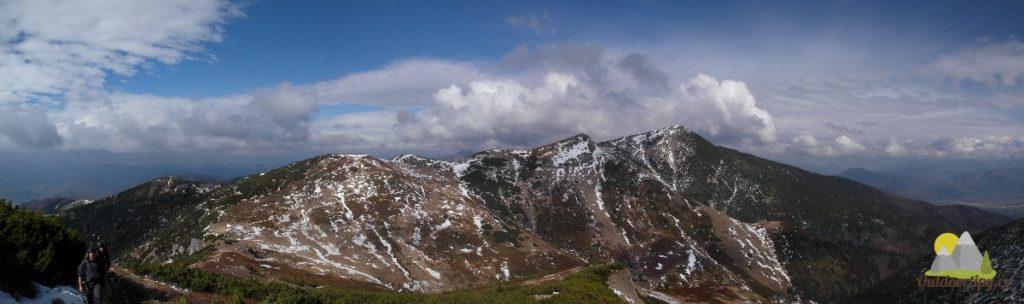 panorama s Velkým a Malým Rozsutcem