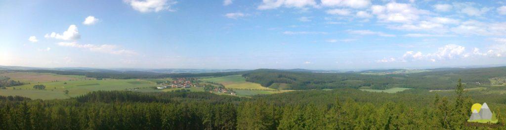 rozhledna Kotel - panoramatická fotka západním směrem