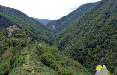 nepřístupná poloha hradu Bobovac v horách