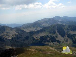 výhled z vrcholu Vichrenu k jezerům