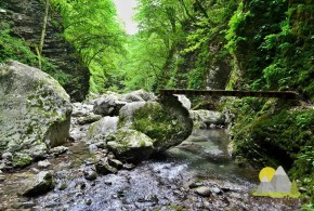 cestou k vodopádu Kozjak