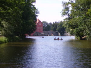 Červená Lhota - projížďky na lodičkách
