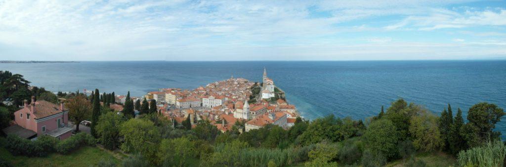 pohled na přímořské městečko Piran