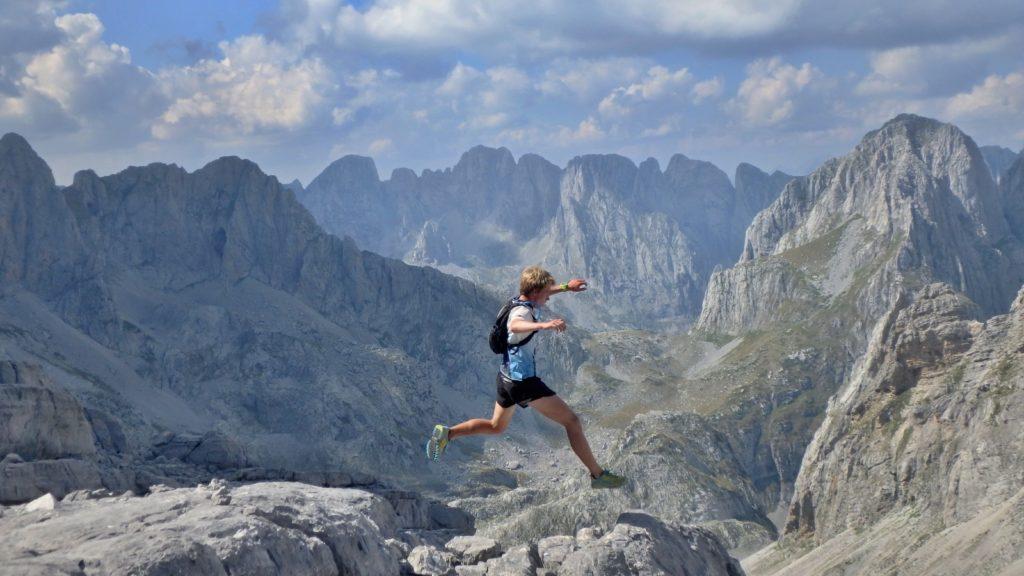 Běžec na Maja e Jezerces