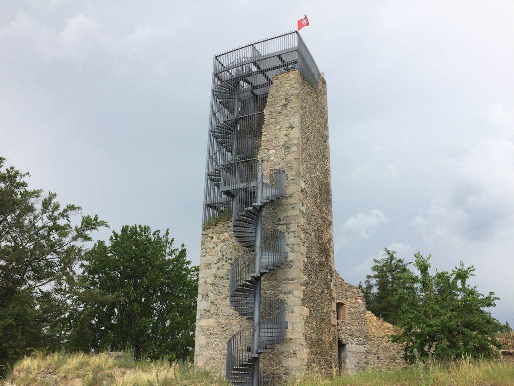 historická věž, která byla předělána na rozhlednu