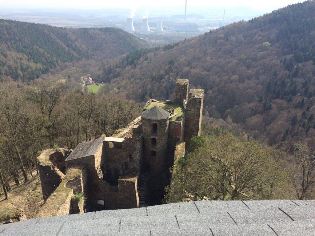 pohled z věže na elektrárnu Prunéřov