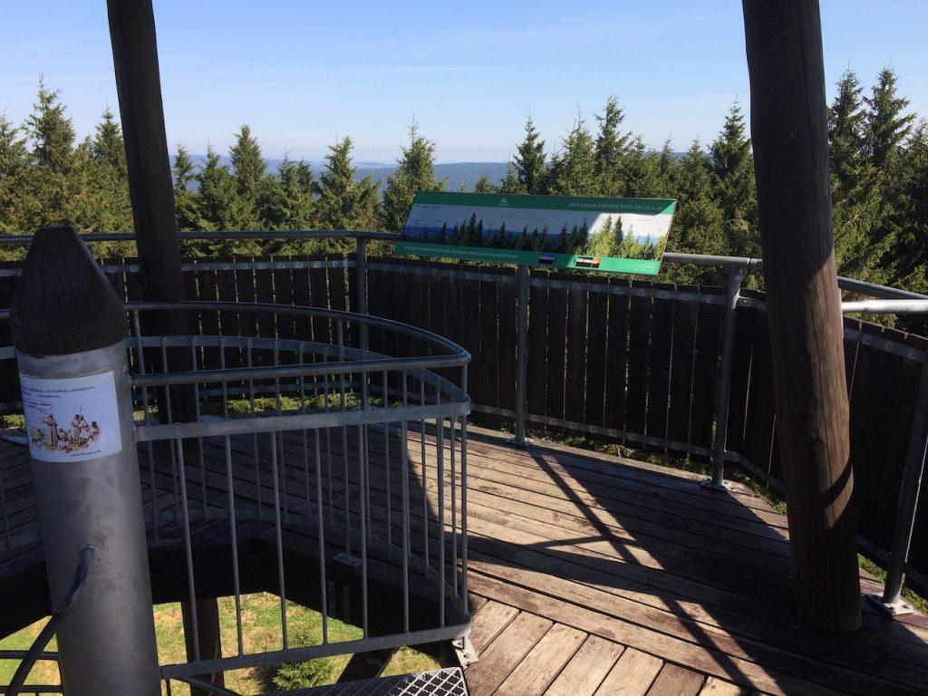 vyhlídková plošina ve výšce 12 metrů
