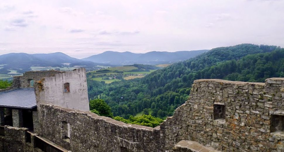 vyhlídkový ochoz na hradě Hukvaldy